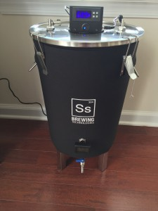 SSBrewTech_BrewBucket_FTS_Assembled_Powered